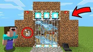 НУБ ПОСТРОИЛ ЭЛЕКТРИЧЕСКУЮ ДВЕРЬ В Майнкрафте! Minecraft Мультики Майнкрафт троллинг Нуб и Про