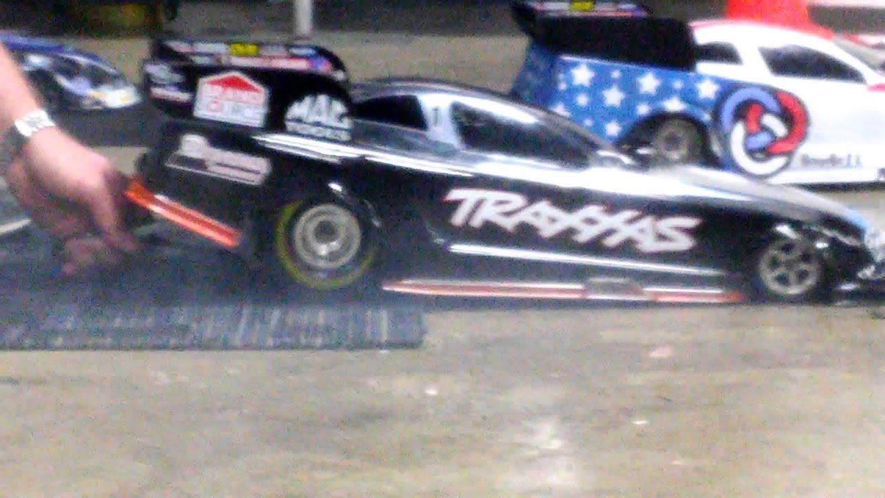 Traxxas funny car smokey burn out at RXC 2016