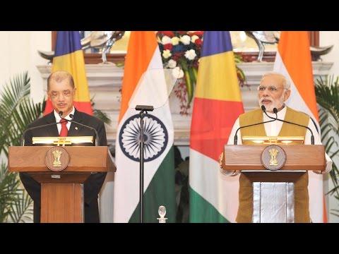 PM Modi & President of Republic of Seychelles, Mr. James Alix Michel at the Joint Press Statement