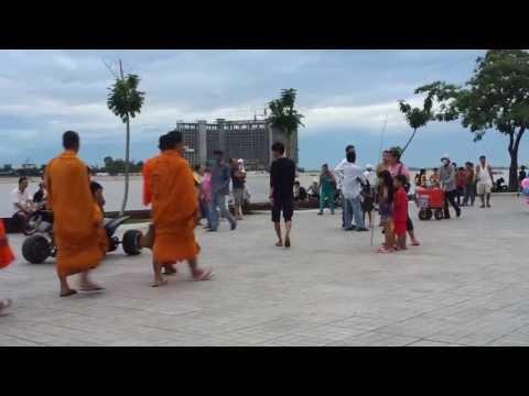 Leisure at Sisowath Quay, Phnom Penh