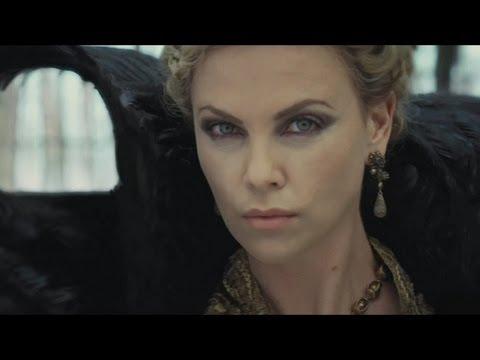 Queen Ravenna: World Collapsing