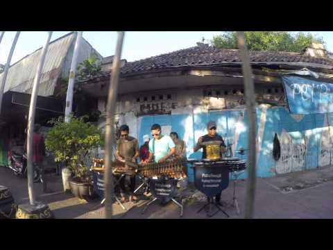3 idiots goes to jogja (gopro)
