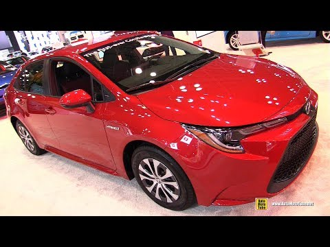 2020 Toyota Corolla Hybrid - Exterior and Interior Walkaround - 2019 NY Auto Show