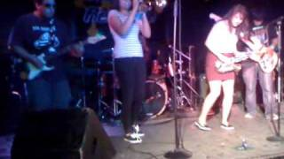 los 2x4 s live at the chain reaction 9 17 10 2 2
