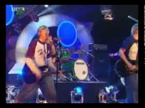 Busted - Air Hostess ( Live on TOTP Saturday )