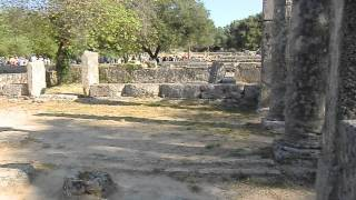 #Олимпия , колонны знакомые каждому школьнику(, 2015-10-27T11:56:26.000Z)