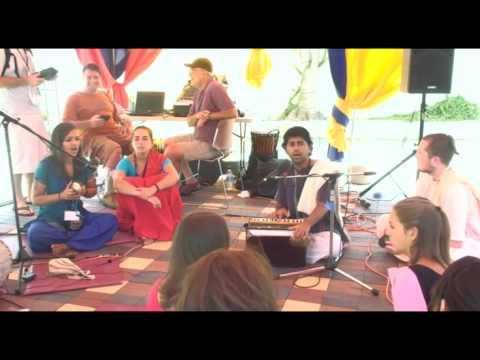 Bhajan - KulimeLA Day 2 - Anirudh Kansal das (1/7)