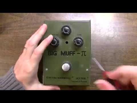 Let's DIVE into a BIG Russian MUFF!  - Electro Harmonix Sovtek Big Muff Pi Reissue FIXED