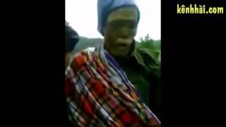 Video về nghi thức truyền thống đưa thây ma người chết về nhà của người Indonesia