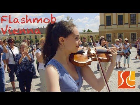 Flashmob Schönbrunn Palace