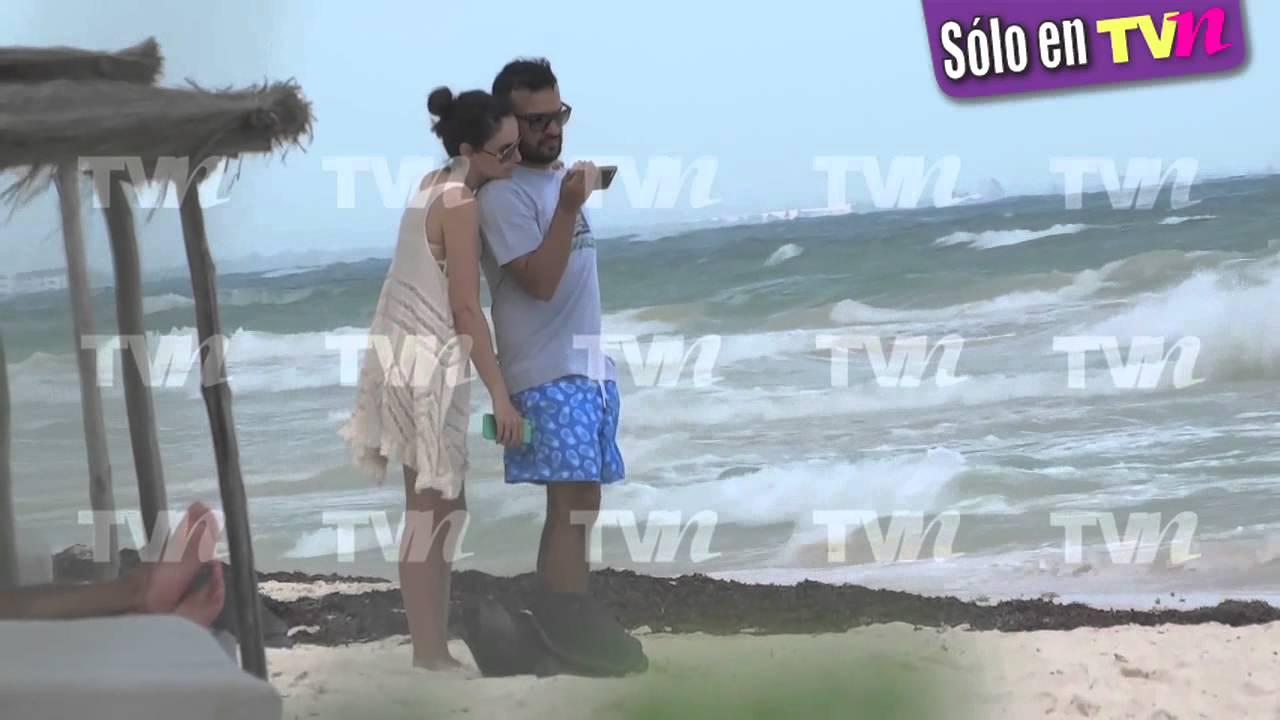 ... la cachamos derrochando amor en la playa con nuevo galán - YouTube