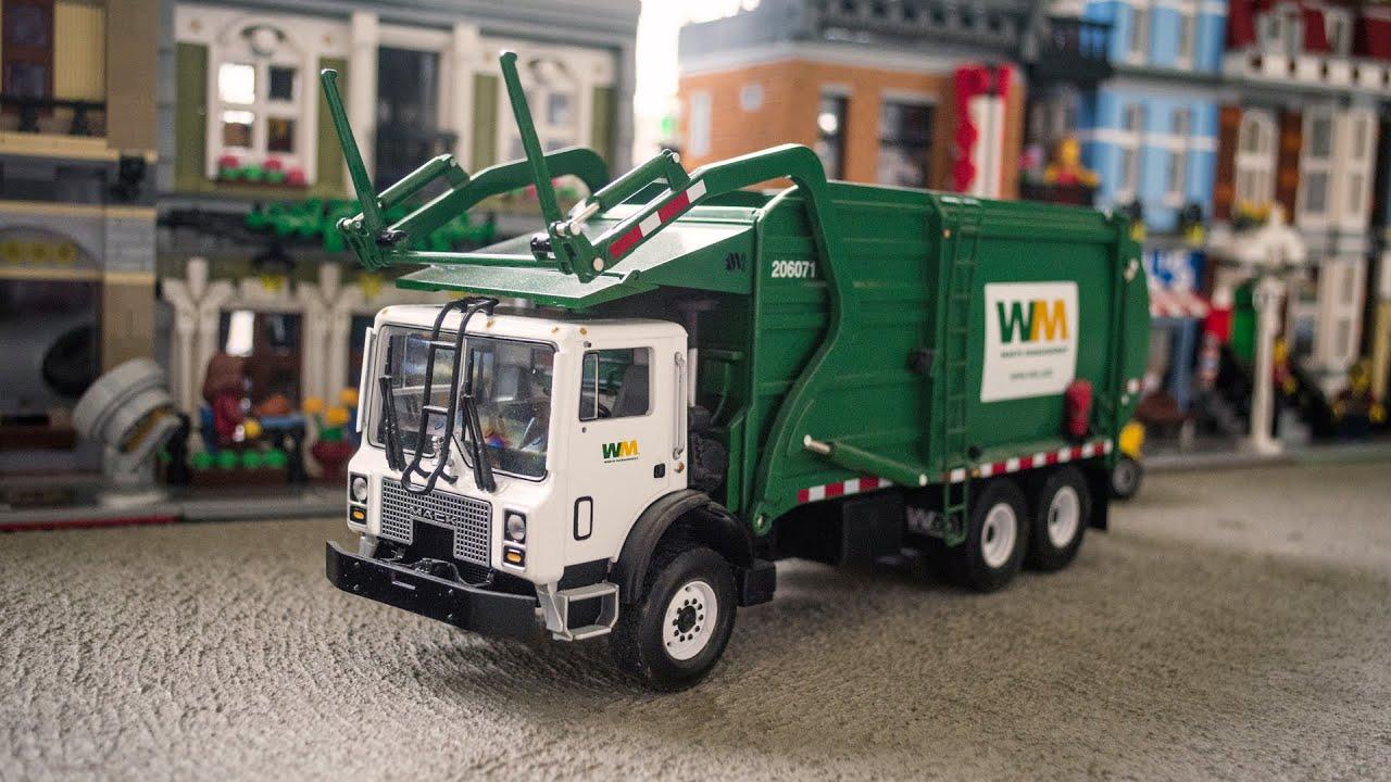 Toy Garbage Truck Wm Mack Side Loader Wow Blog