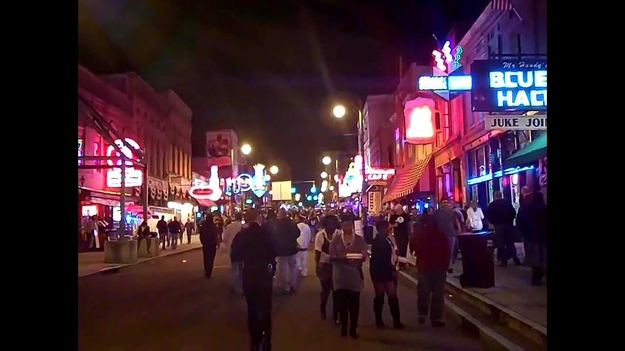 3d beale street in memphis tn halloween weekend 2011