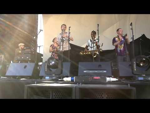The Souljazz Orchestra - Mista President - Festival Esperanzah! 2013 mp3