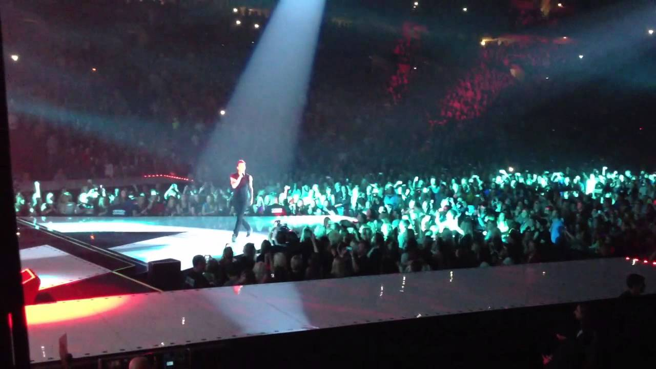 One More Night Maroon 5 In Concert At Century Link Center Omaha Ne