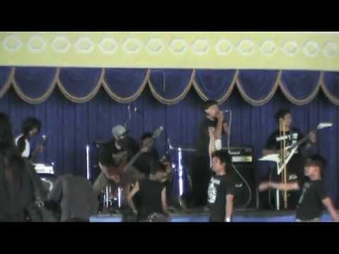 Rudal Squad - Di Kenthu Mlayu, live at Berontak Diri Sendiri