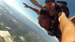 Dee Vlogs! SKYDIVING FOR THE FIRST TIME!!