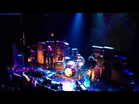 The Boy With The Thorn In His Side - Dinosaur Jr with Johnny Marr and Dale Crover