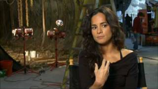 Interview with Alice Braga for Predators