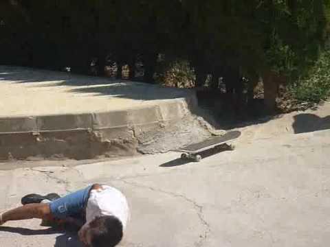 Caida en skate / skate fall Pablo Fonseca Píriz.