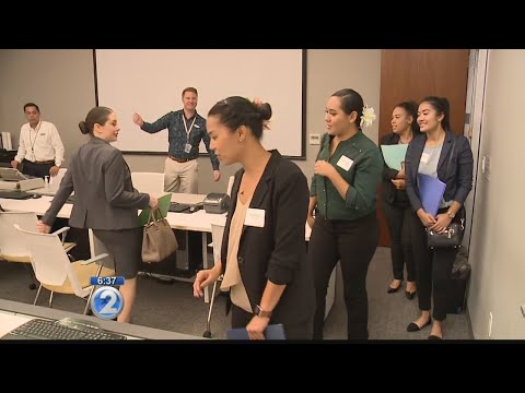 Former Island Air employees attend Hawaiian Airlines job fair
