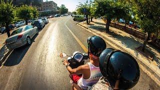 МаксиКрым (Отчаянное путешествие) часть 1(Видеоблог о путешествии на скутере по Крымскому полуострову в августе 2016 года. Страх, ненависть, жженая..., 2016-10-27T19:41:36.000Z)