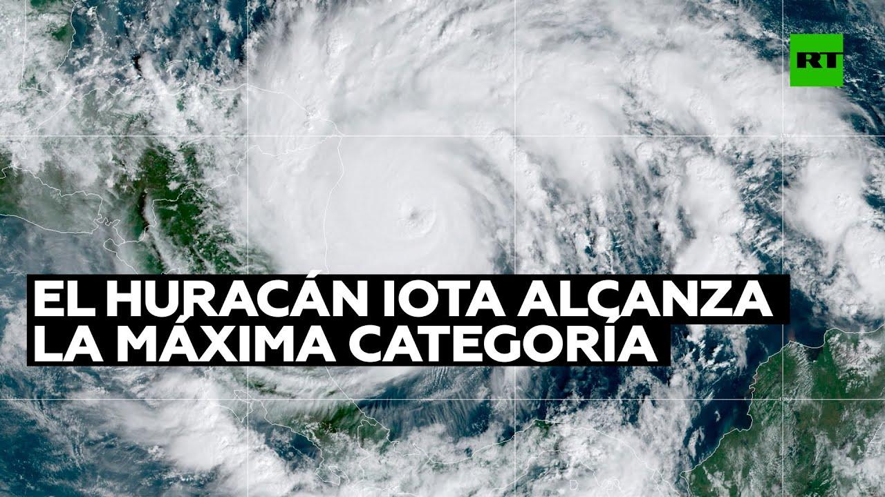 """El huracán Iota alcanza la máxima categoría 5 y amenaza a Centroamérica con vientos """"catastróficos"""""""