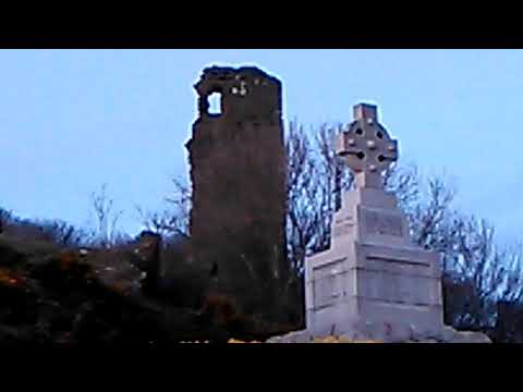 Ardstinchar Castle/Ballantrae War Memorial