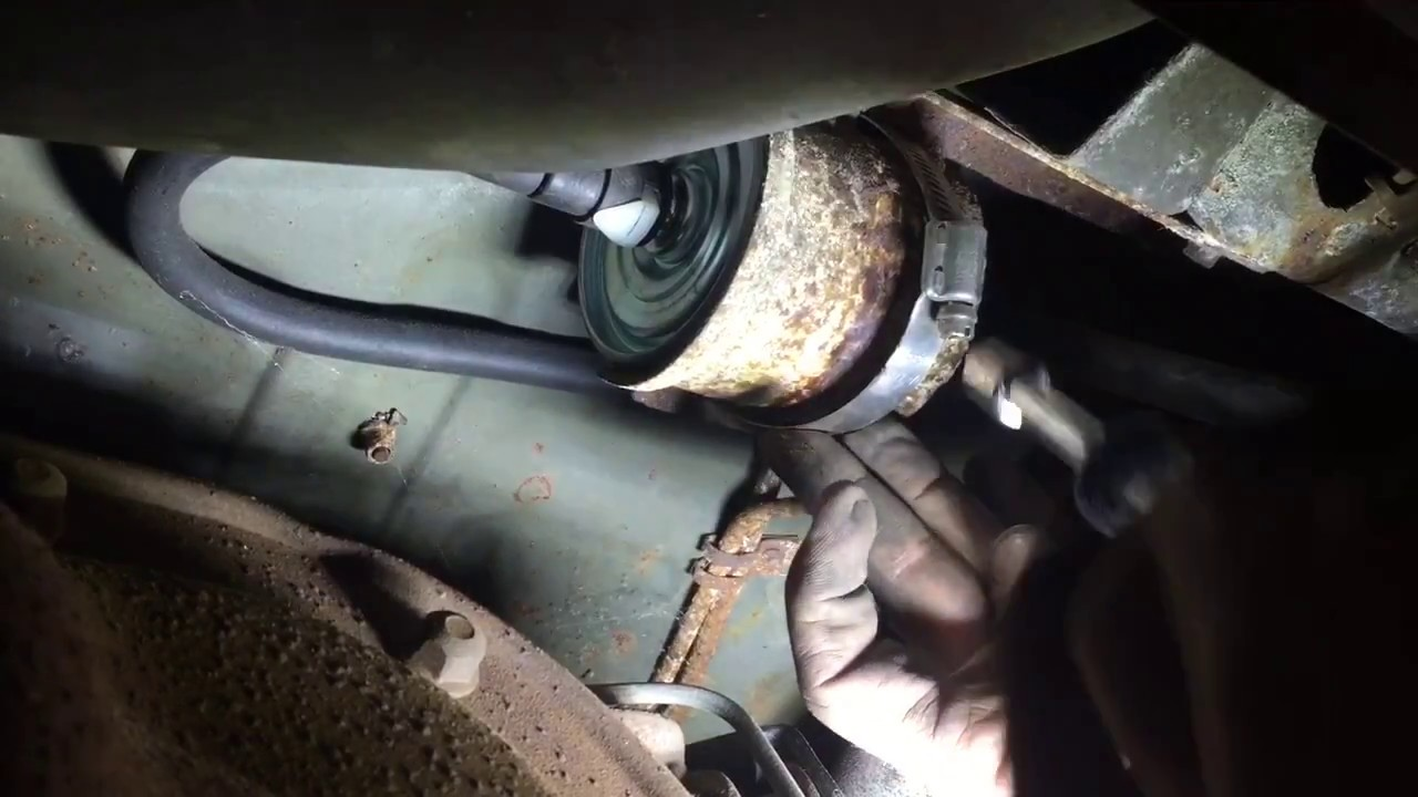 hight resolution of changing the fuel filter in a 1991 mustang gt