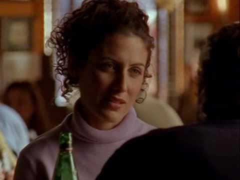 Lisa Edelstein in 'Felicity' episode 14