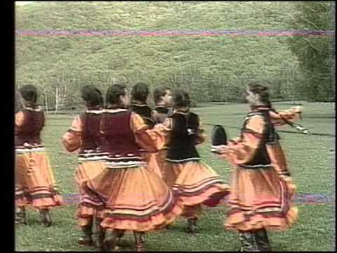 """""""Кэкук сэйе"""" Танец ансамбля школы искусств. Резеда Гадельшина, Юлай Узянбаев 1993г."""