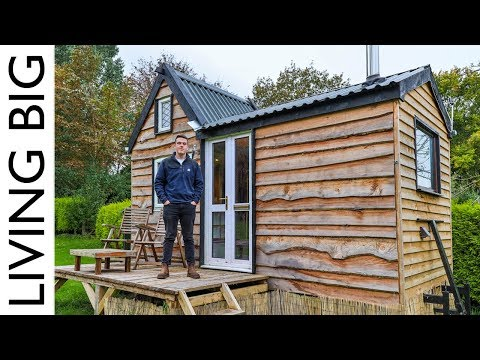 17 Year Old Builds Tiny House For Only £6,000!из YouTube · Длительность: 12 мин54 с