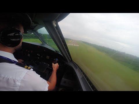 Dash 8 Q300 cockpit view Maldives short field 1200m