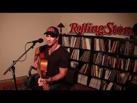 """Pete Murray """"Take Me Down""""' (Live At Rolling Stone Australia Office)"""
