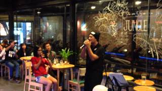 Eyes Nose Lips (TAEYANG - iKON Mixed) - Pudding Vũ Live Cover @ Urban Station Hòa Bình 150828