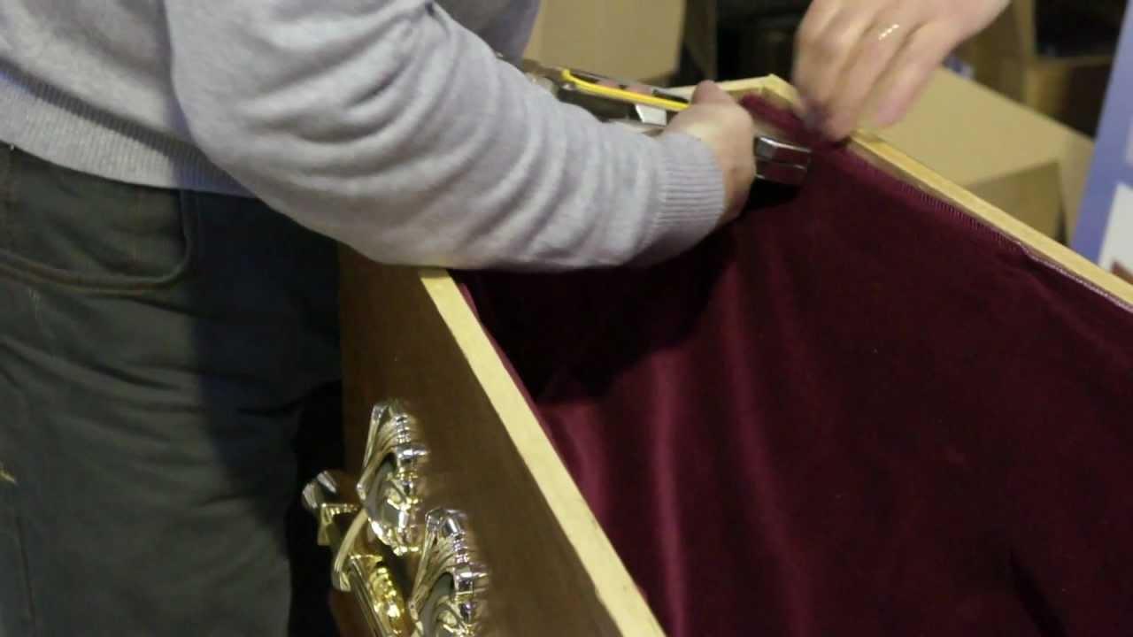 Leslie R Tipping Velvet Interior - Fitting