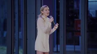 Taylor Louderman (Mean Girls, Life of an Actress) performs Just Pretend from Peter Pan Live