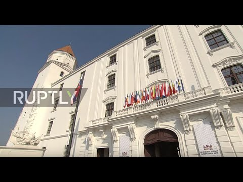 Slovakia: EU in a 'critical situation,' says Merkel as Hollande stresses defence