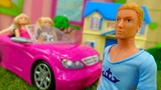 Видео для девочек. Сломанная машина куклы Барби
