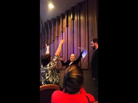 Смотреть клип Выступление Наргиз в Северодвинском драм.театре. онлайн бесплатно в качестве