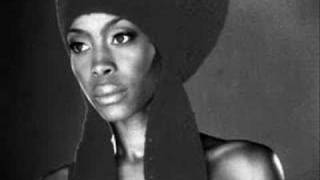 Download In love with you--Erykah Badu feat. Stephen Marley