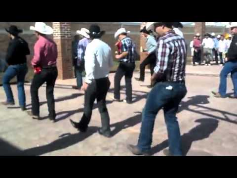 Mexicans love to dance right? Now it's time to take a little trip 'Country Style.'