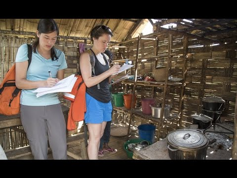 Students Explore Health Hazards of Open-Fire Cooking in Madagascar