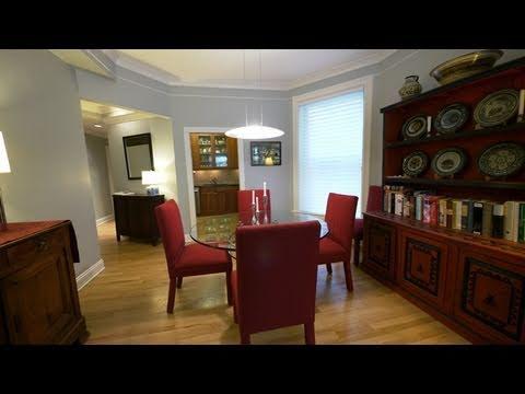 Vintage Gold Coast 2-bedroom lives like a home