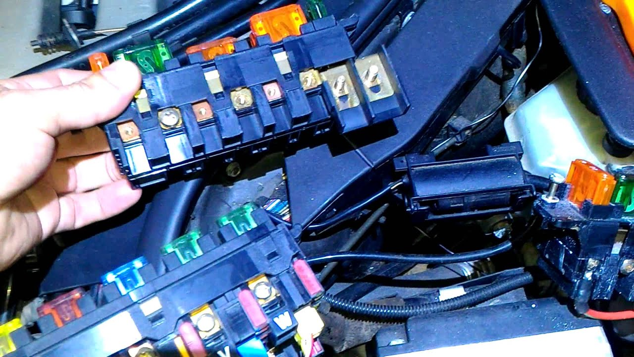 Mercedes S600 fuse box replacement - YouTubeYouTube