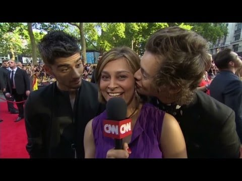One Direction try to distract CNN's Zain