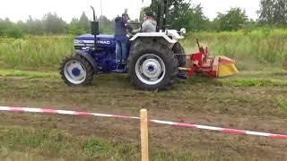 Ciągnik rolniczy z kosiarką rotacyjną - Plac maszyn ZapleczeFarmera.pl