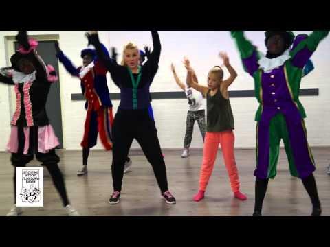 Dans mee met de pieten en Kelly Timmers
