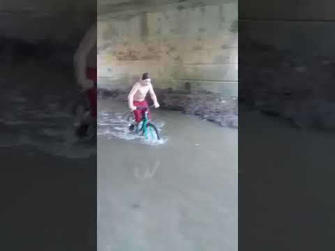 Kid jumps in really cold water!!