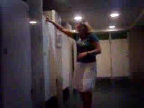 A galega do banheiro!=D